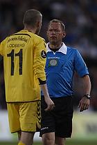 Niels Lodberg, anf�rer (AC Horsens), Claus Bo Larsen, dommer