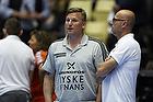 Nikolaj Jacobsen, assistenttr�ner (Bjerringbro-Silkeborg), Magnus Andersson, cheftr�ner (AG K�benhavn)
