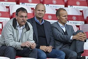 Sten Lerche, bestyrelsesformand (Br�ndby IF), Johnny Nederskov Nielsen, bestyrelsesmedlem (Br�ndby IF), Ole Bjur, sportschef (Br�ndby IF)