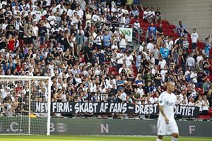 FCK-fans med protest banner