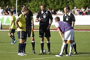 Dennis Rommedahl, anf�rer (Br�ndby IF), Kristian Holm, anf�rer (Nordvest FC)