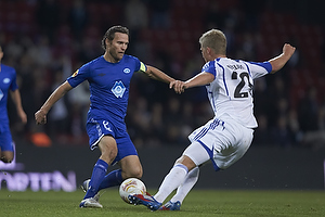 Daniel Hestad, anf�rer (Molde FK), Andreas Cornelius (FC K�benhavn)