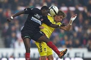 Jens Larsen, anf�rer (Br�ndby IF), Rilwan Olanrewaju Hassan (FC Midtjylland)