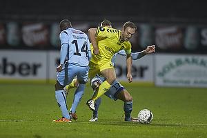 Dennis Rommedahl, anf�rer (Br�ndby IF), Tidiane Sane (Randers FC)