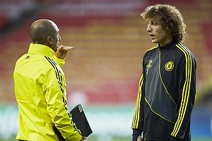Roberto Di Matteo, cheftr�ner (Chelsea FC), David Luiz (Chelsea FC)
