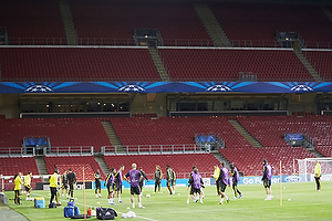 Chelsea FC tr�ner i Parken