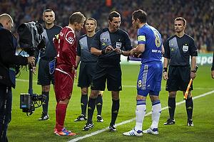 Nikolaj Stokholm, anf�rer (FC Nordsj�lland), Frank Lampard (Chelsea FC), Marijo Strahonja, dommer (Kroatien)