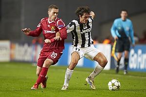Kasper Lorentzen (FC Nordsj�lland), Simone Padoin (Juventus FC)