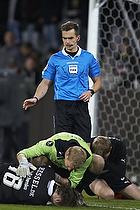Mads-Kristoffer Kristoffersen, dommer, Jonas L�ssl (FC Midtjylland), Erik Sviatchenko (FC Midtjylland)