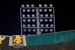Lyset var g�et d�d i det ene hj�rne af Farum Park.