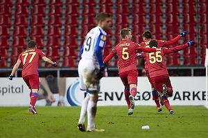 Raul Rusescu, m�lscorer (FC Steaua Bukarest), Alexandru Bourceanu (FC Steaua Bukarest), Mihai Pintilii (FC Steaua Bukarest)