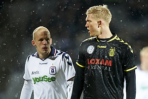 Simon Makienok Christoffersen (Br�ndby IF), Petri Pasanen (Agf)
