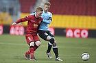 Henrik Hansen, anf�rer (S�nderjyskE), Anders Christiansen (FC Nordsj�lland)