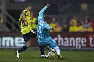 Dennis Rommedahl, anf�rer (Br�ndby IF), Patrick Mtiliga (FC Nordsj�lland)