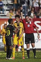Quincy Antipas (Br�ndby IF), Martin Albrechtsen (Br�ndby IF), Jakob Kehlet, dommer