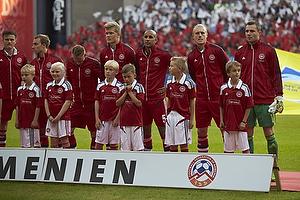 Stephan Andersen (Danmark), Simon Kj�r (Danmark), Simon Busk Poulsen (Danmark), Andreas Cornelius (Danmark), Niki Zimling, anf�rer (Danmark), Christian Eriksen (Danmark)