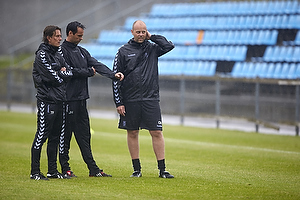 Thomas Frank, cheftr�ner (Br�ndby IF), Jan Hoffmann, m�lmandstr�ner (Br�ndby IF), Claus N�rgaard, assistenttr�ner (Br�ndby IF)