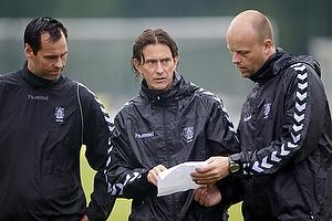 Jan Hoffmann, m�lmandstr�ner (Br�ndby IF), Thomas Frank, cheftr�ner (Br�ndby IF), Claus N�rgaard, assistenttr�ner (Br�ndby IF)