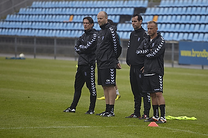 Thomas Frank, cheftr�ner (Br�ndby IF), Claus N�rgaard, assistenttr�ner (Br�ndby IF), Jan Hoffmann, m�lmandstr�ner (Br�ndby IF)