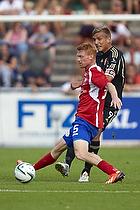 Thomas Augustinussen, anf�rer (Aab), Lasse Nielsen (FC Vestsj�lland)