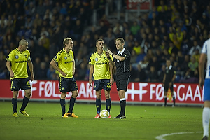 Mikkel Thygesen, anf�rer (Br�ndby IF), Thomas Kahlenberg (Br�ndby IF), Ferhan Hasani (Br�ndby IF), Michael Johansen, dommer