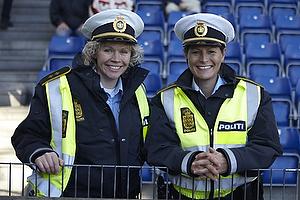 To politi kvinder