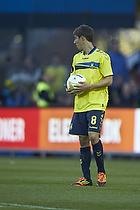 Alexander Szymanowski (Br�ndby IF) tager bolden og vil sparke straffespark