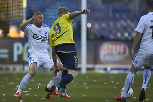 Simon Makienok Christoffersen (Br�ndby IF), Lars Jacobsen, anf�rer (FC K�benhavn)