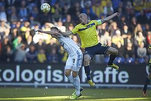Mikkel Thygesen, anf�rer (Br�ndby IF), Nicolai J�rgensen (FC K�benhavn)