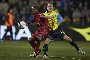 Patrick Mtiliga (FC Nordsj�lland), Mikkel Thygesen, anf�rer (Br�ndby IF)