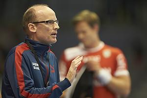 Ole N�rgaard , cheftr�ner (Skjern H�ndbold)