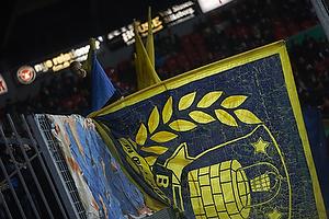 Br�ndbyfans med stort flag