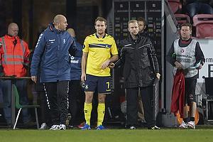 Thomas Kahlenberg (Br�ndby IF) klar til at blive sat p� banen, Claus N�rgaard, assistenttr�ner (Br�ndby IF)