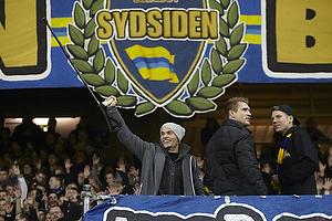 Mikkel Thygesen (Br�ndby IF) og Martin Albrechtsen (Br�ndby IF) p� Sydsiden