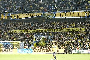 Sydsiden med et banner