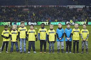 Br�ndby IF Allstars-hold hvor spillerne var repr�senteret af drenge med spillernes tr�jer.