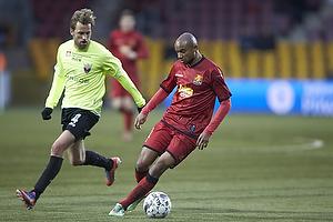Joshua John (FC Nordsj�lland). Sladan Peric (FC Vestsj�lland)