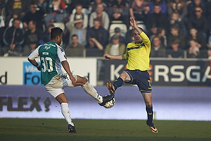 Wilton Figueiredo (Viborg FF), Thomas Kahlenberg, anf�rer (Br�ndby IF)