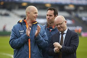 Claus N�rgaard, assistenttr�ner (Br�ndby IF), Jan Hoffmann, m�lmandstr�ner  (Br�ndby IF), Per Rud, sportschef (Br�ndby IF)
