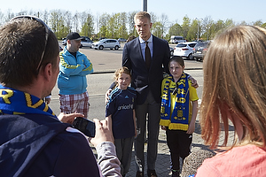 Simon Makienok Christoffersen (Br�ndby IF) med fans