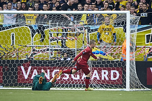 Lukas Hradecky (Br�ndby IF), Uffe bech, m�lscorer (FC Nordsj�lland)