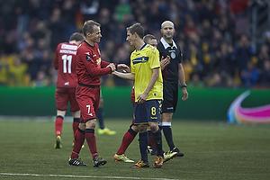 Nikolaj Stokholm (FC Nordsj�lland) udskiftes i sin sidste kamp p� topplan, Alexander Szymanowski (Br�ndby IF)