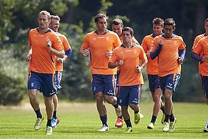 Johan Elmander (Br�ndby IF) tr�ner med resten af truppen