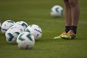 Hummel fodbold