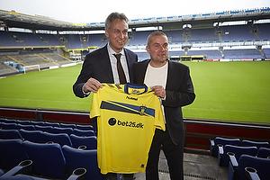 Jesper J�rgensen, administrerende direkt�r (Br�ndby IF), Holger Kristensen, direkt�r (Bet25)