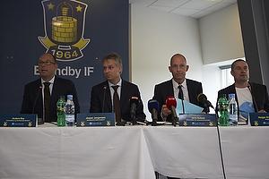 Anders Bay, kommunikations-marketingdirekt�r (Br�ndby IF), Jesper J�rgensen, administrerende direkt�r (Br�ndby IF), Jens Aal�se, koncerndirekt�r (TDC), Holger Kristensen, direkt�r (Bet25)