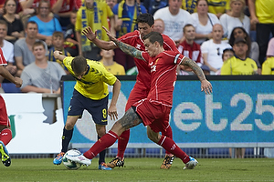 Daniel Agger, anf�rer (Liverpool FC), Alexander Szymanowski (Br�ndby IF)