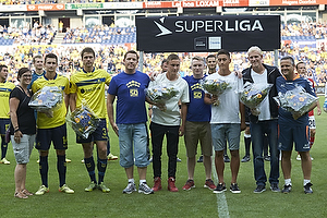 Sarah Agerklint, n�stformand (Br�ndby Support), Elba Rashani (Br�ndby IF), Semb Berge (Br�ndby IF), Albert Capellas, f�rsteassistent (Br�ndby IF)