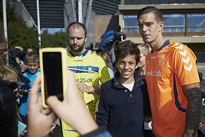 Daniel Agger (Br�ndby IF) med fans