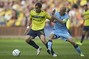 Johan Elmander (Br�ndby IF), Christian Keller, anf�rer (Randers FC)